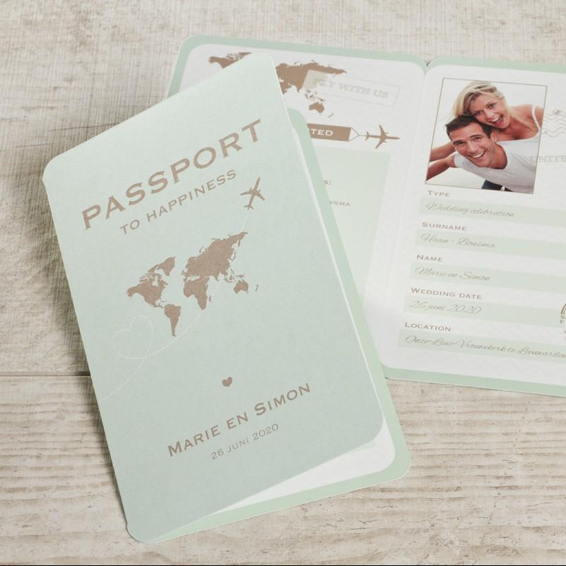 Uniek paspoort trouwkaartje mintgroen