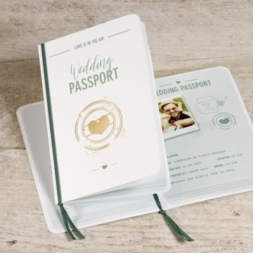 Paspoort trouwkaart muntgroen en goud