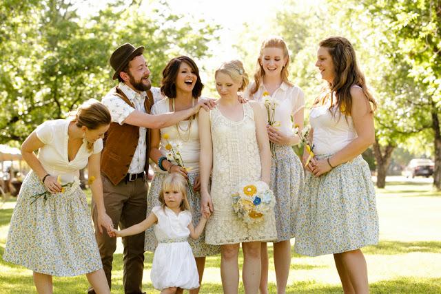 Hipster bruidsmeisjes - originele trouwfoto's