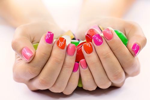 Kleurrijke nageltjes