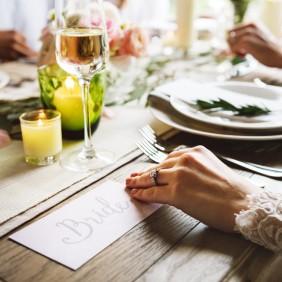 Wie betaalt de kosten voor het huwelijk?
