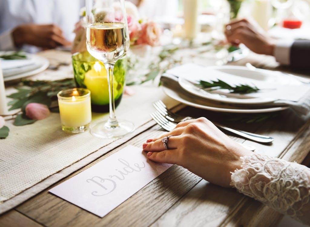 Wie Betaalt De Kosten Voor Het Huwelijk Tadaaz Blog
