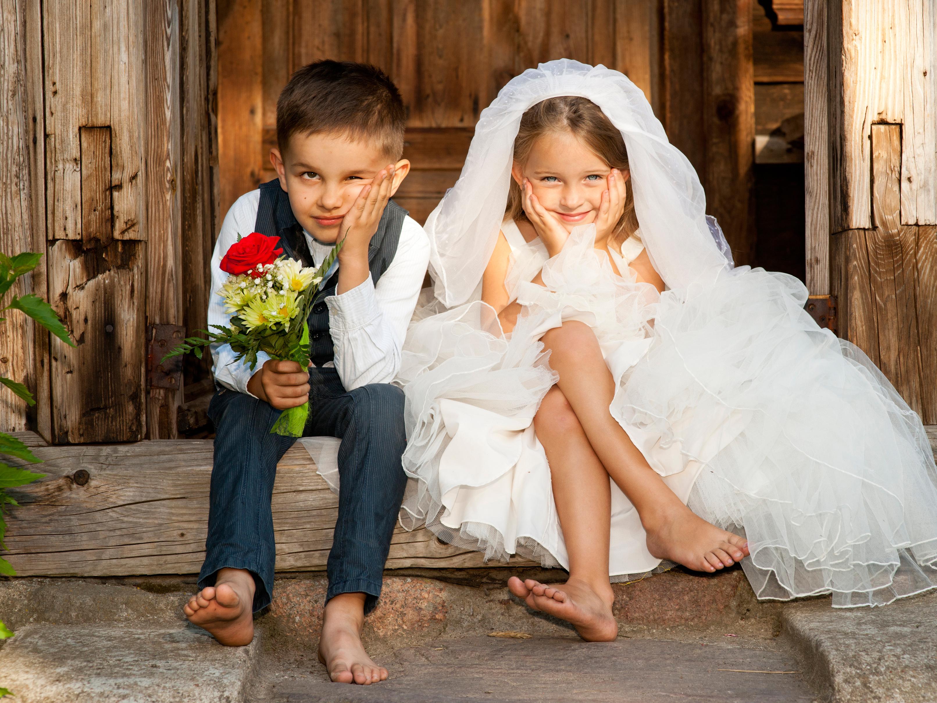 Jullie Kindjes Kondigen Het Huwelijk Aan Tadaaz Blog