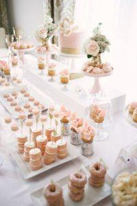 dessertbuffettafel originele huwelijkstaart