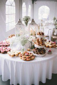 originele huwelijkstaart dessertbuffet