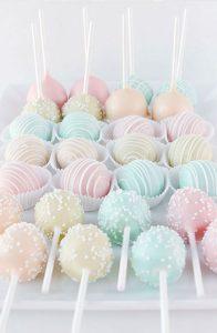 originele huwelijkstaart pastel cakepops