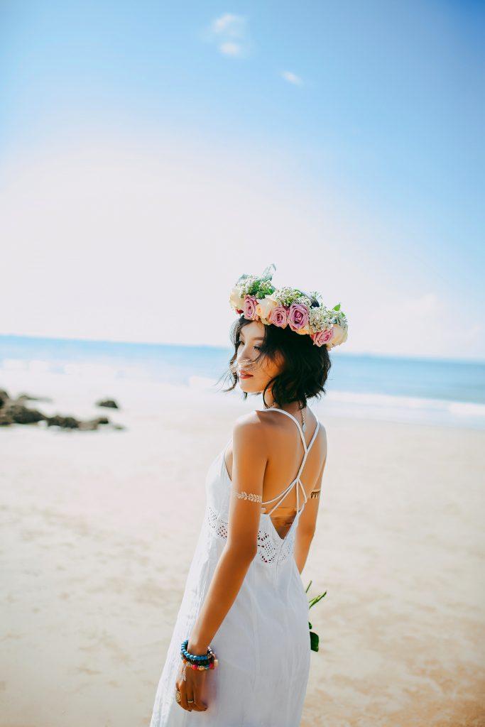 trouwfeest in de zomer trouwjurk en accessoires