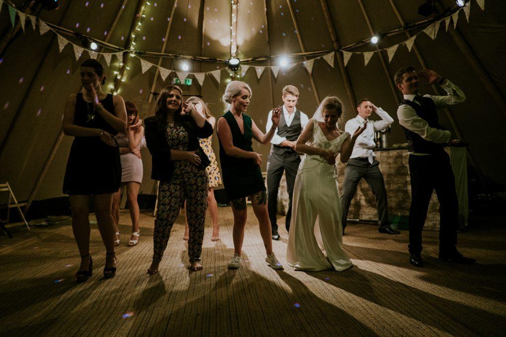 trouwfeest in de zomer partytent