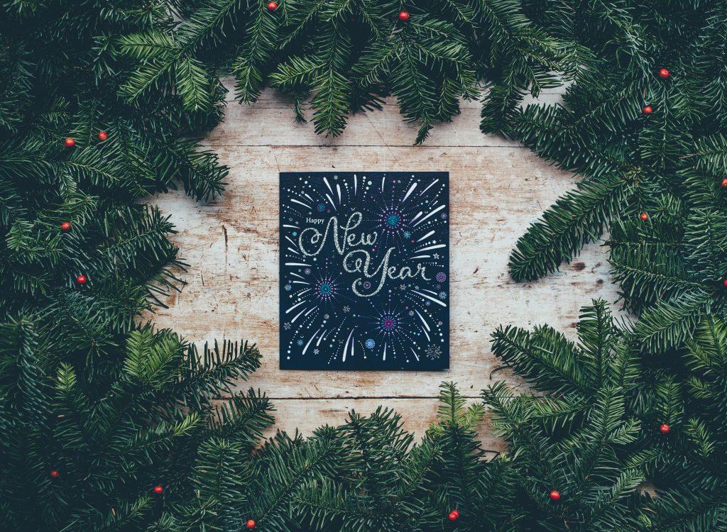 nieuwjaar vieren met thuisblijven of uitgaa