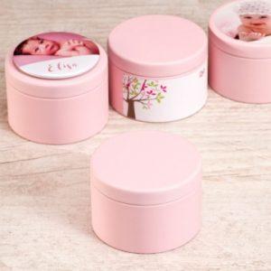 roze blikken doosje om doopsuiker in te presenteren